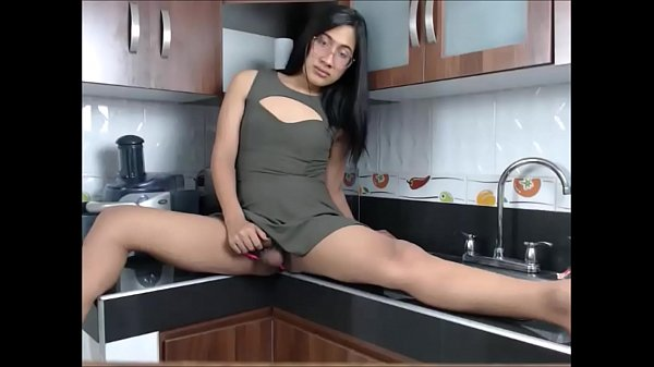 Asian tranny, In the kitchen, Asian kitchen, Tranny asian