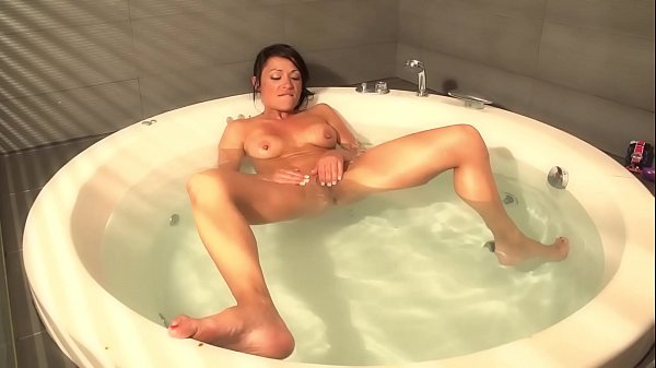 Squirt hot, Tub, Squirting hot, Hot tub