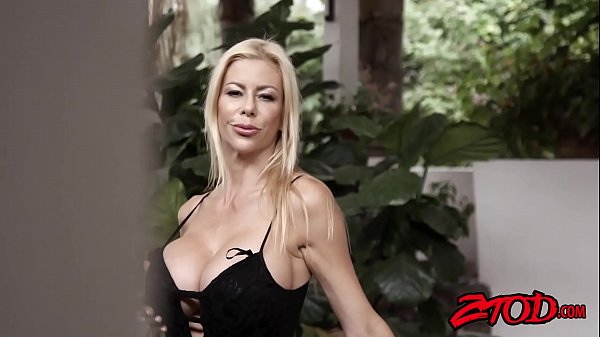 Alexis fawx, Cougar, Younger, Meat