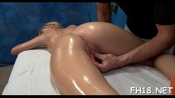 Massage, Watching, Surprised, Massage girl, Therapist, Cute massage