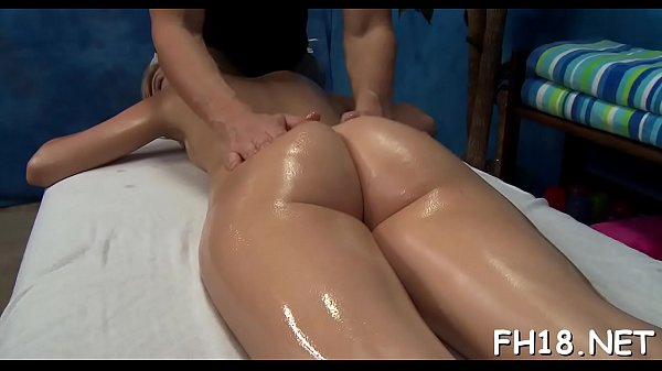Massage, Watching, Massage girl, Surprised, Therapist, Cute massage