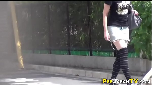 Pee, Peeing, Asian pee, Pee asian, Asian teens, Asian outdoor