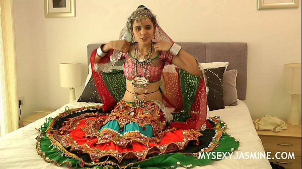 Jasmine, Dancing, Indian college, Gujarati, Indian babe, Danceing