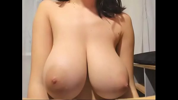 Huge tits, Babes free